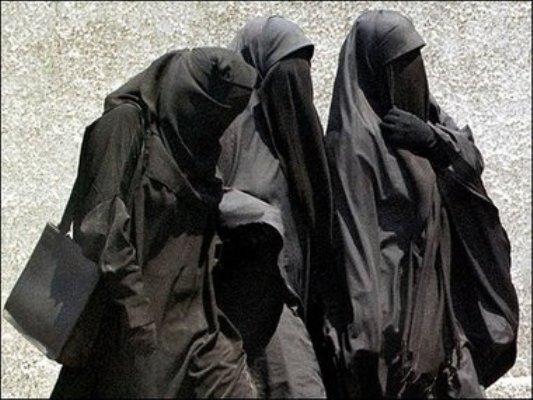 Veshjet e grave myslimane në vende të ndryshme! Frauen-im-islam