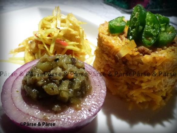 Krautreis an Curry-Weisskrautsalat und roterTorschizwiebel_wz