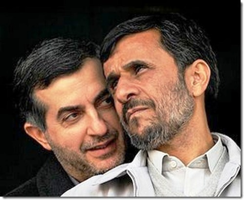 Esfandiar Rahim Maschaie und Ahmadinedschad