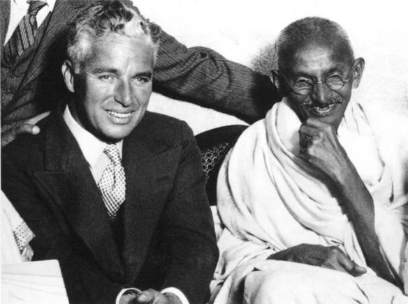 Charlie Chaplin und Mahatma Gandhi