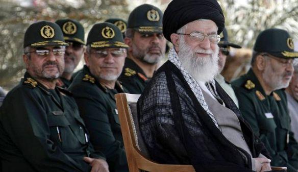 Khamenei und iranische Revolutionsgarden