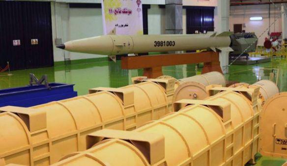 Verbesserte Boden-Boden Rakete Fateh-110 an einem unbekannten Ort, in Teheran, Iran, im Jahr 2010. Foto: AP