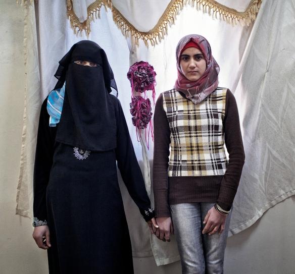 Layla und ihre Schwester Sama Bildquelle: Tanya Habjouqa