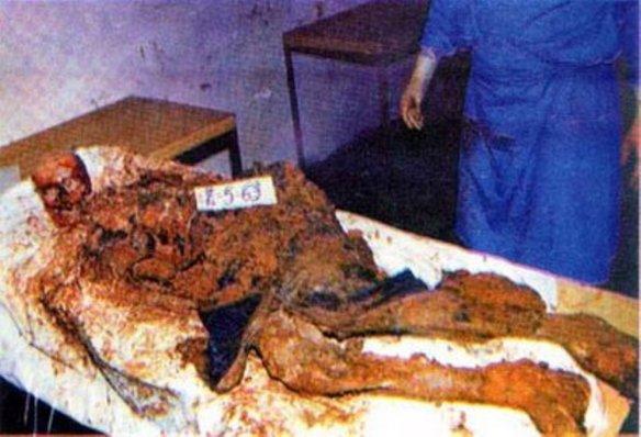 Bildquelle: 4International Ostbosnien, Region Srebrenica/Zvornik: Der von Naser Orićs Truppen massakrierte Körper eines bosnischen Serben