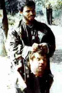 Bildquelle: 4International Der Kopf des Serben Blagoje Blagojevic aus Crni Vrh,  gehalten von einem saudi-afghanischem Jihadisten in Bosnien 1992