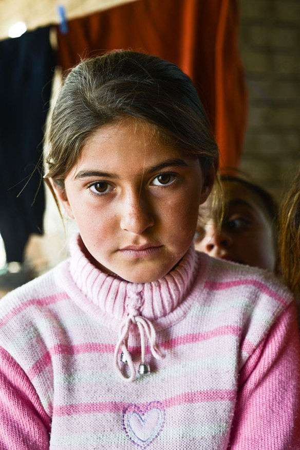Bildquelle: Human Rights Watch Vertriebenes yezidisches Mädchen ausserhalb von Dohuk im Nord-Irak