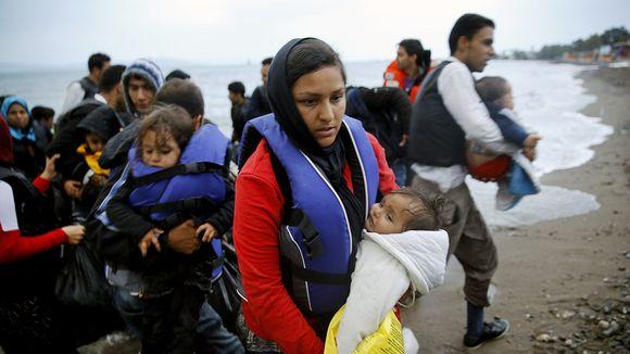 Bildquelle: Zeit.de Flüchtlinge aus Afghanistan nach ihrer Ankunft auf der griechischen Insel Kos | © Yannis Behrakis/Reuters