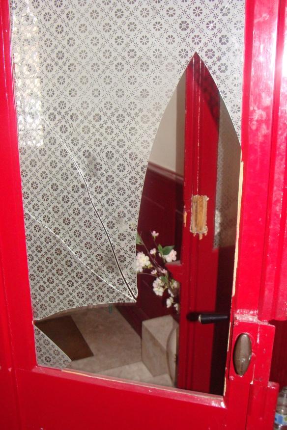 'Die zweite Türe im Eingang, die von der Spezialeinheit demoliert wurde'