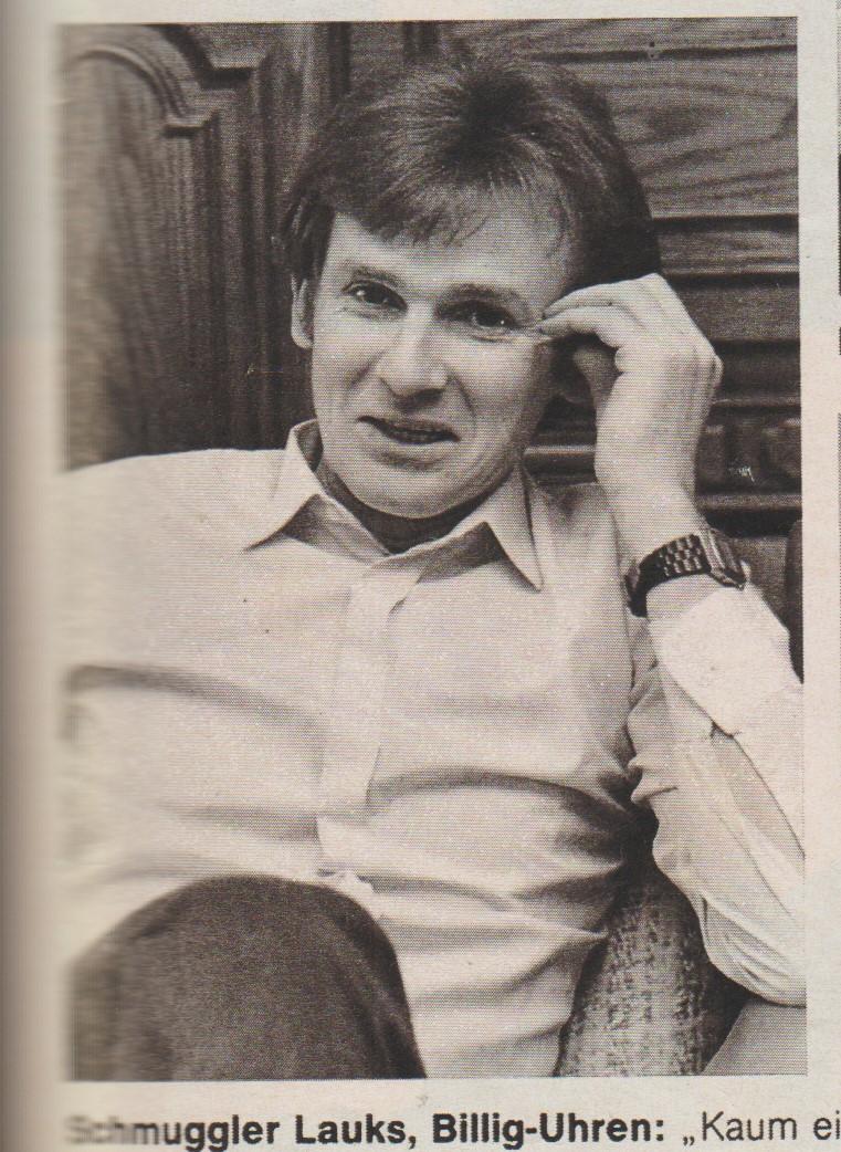 Dieses Bild hatte der damalige Direktor der SPIEGEL-Vertretung in der DDR Ulrich Schwarz in der Wohnung des Vaters von Adam Lauks gemacht. Er kam aus Berlin in den Schwarzwald im April 1986 um mit ihm ein Interview zu machen.
